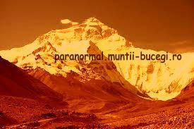 Cine a cucerit Everestul?